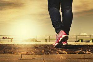 walking-2635038_640
